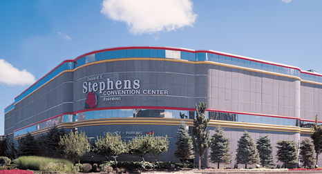 Riggers Local 136 - Donald E Stephens Center